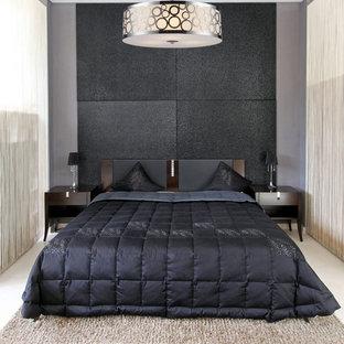Идея дизайна: маленькая гостевая спальня в современном стиле с черными стенами и мраморным полом
