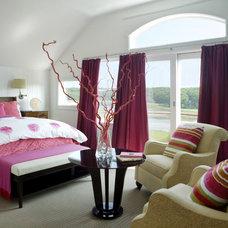 Modern Bedroom by Siemasko + Verbridge