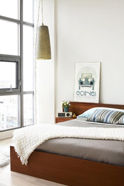 Contemporary Bedroom by Aristea Rizakos