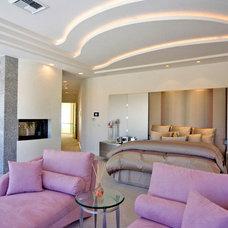 Modern Bedroom by Richard Luke Architects P.C.