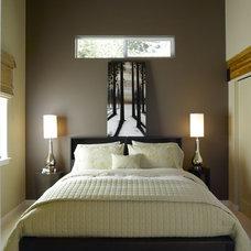 Contemporary Bedroom by H2K design Inc.