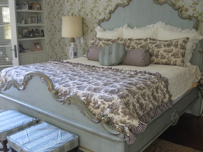 Brighton Blue Toile French Country Quilt Bed Mattress Sale