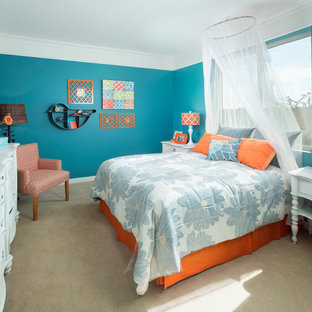 Inspiration for a contemporary carpeted bedroom remodel in Phoenix with blue walls