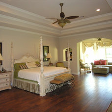 Traditional Bedroom by Arte Architecture
