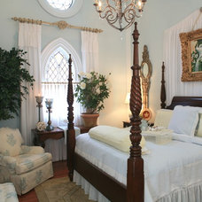 Traditional Bedroom by Dragonfly Interiors