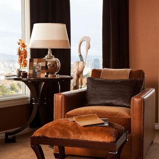 ポートランドのトラディショナルスタイルのおしゃれな寝室 (オレンジの壁、カーペット敷き) のレイアウト