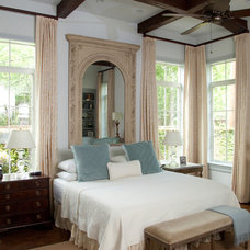 Traditional Bedroom by grettworks
