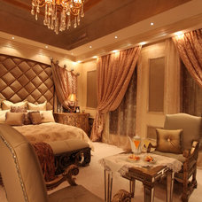 Traditional Bedroom by Perla Lichi Design