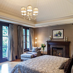 traditional bedroom by Peter A. Sellar - Architectural Photographer