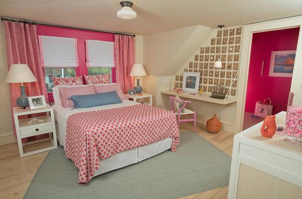 Traditional Bedroom Beach Guest Bedroom