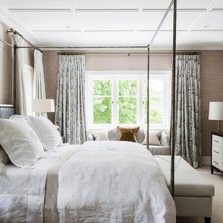 Klassisches Hauptschlafzimmer mit grauer Wandfarbe und Teppichboden in Sydney