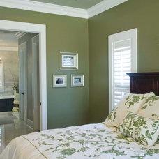 Traditional Bedroom by Wynn & Associates