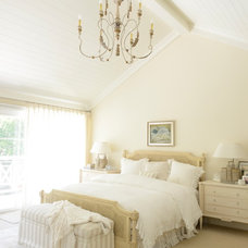 Traditional Bedroom by KellyBaron