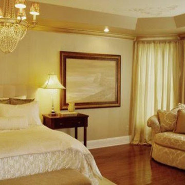 Traditional Master Bedroom w/ Sitting Area