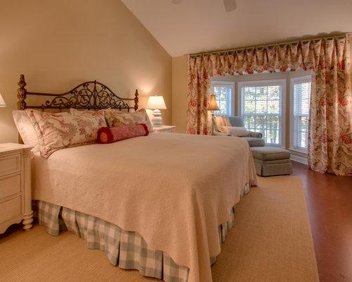 Medium sized bedroom with cork flooring design ideas for Cork flooring in bedroom
