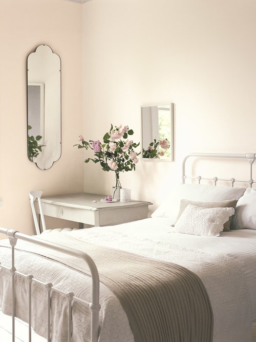 Design Ideas For A Classic Bedroom In Berkshire.