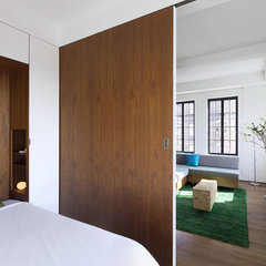modern bedroom by Studio Garneau