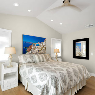 Example of a transitional bedroom design in San Francisco
