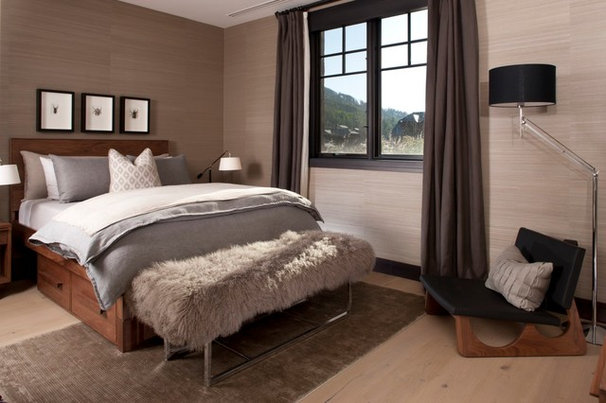 Transitional Bedroom by Salinas Lasheras