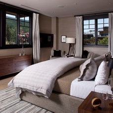 Transitional Bedroom by Salinas Lasheras