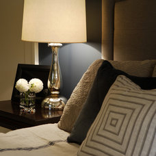 Transitional Bedroom by Gillian Gillies Interiors (GGI)