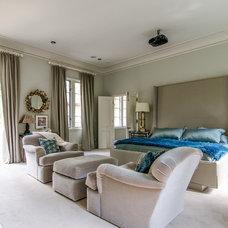 Transitional Bedroom by Virtual Studio Innovations