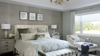 Transitional Style Decor: Bedroom