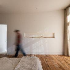 Modern Bedroom by KW Designs