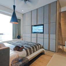 Modern Bedroom by TOPOS Design Studio Pte Ltd