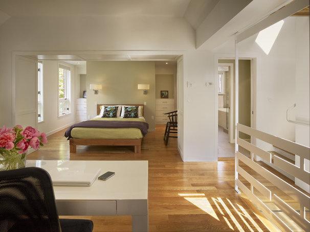 Contemporary Bedroom by Rasmussen / Su Architects