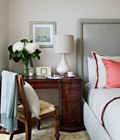 トラディショナル ベッドルーム by Frances Herrera Interior Design