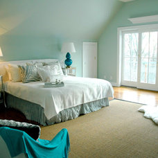 Contemporary Bedroom by Chic Coles