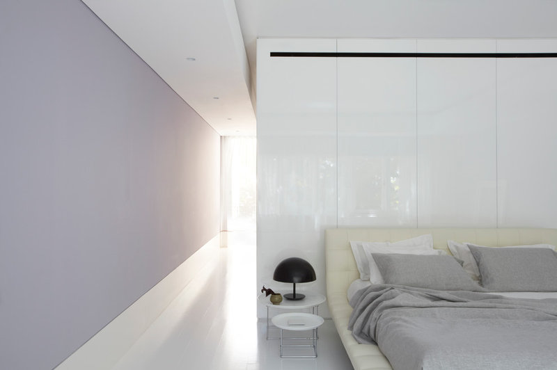 modern bedroom by Smart Design Studio