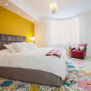 Gentil Trendy Bedroom Photo In Miami With Yellow Walls