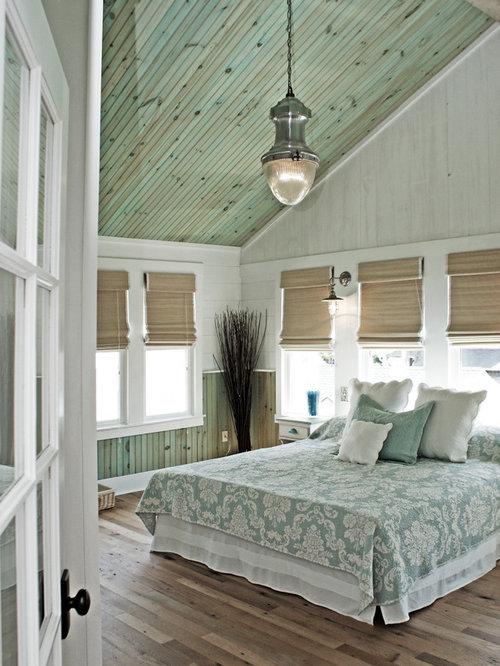 bedroom design ideas renovations photos with medium hardwood floors