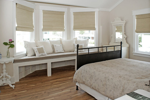 Bedroom lounge spaces for daytime luxuriating for Simple but elegant bedroom designs