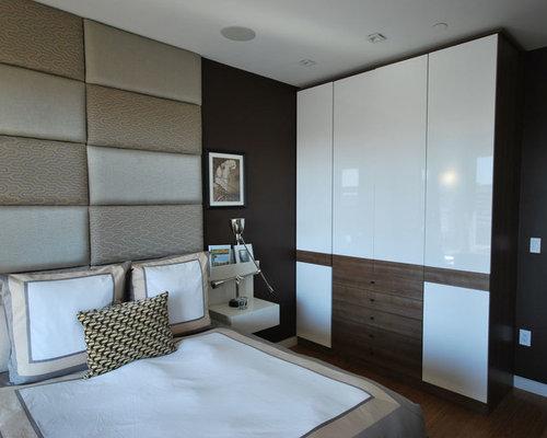 Mid Sized Trendy Guest Medium Tone Wood Floor And Beige Floor Bedroom Photo  In Detroit