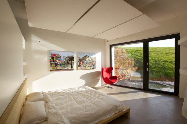 Contemporary Bedroom by Seymour-Smith Architects