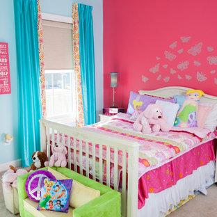 Idee per una camera degli ospiti chic di medie dimensioni con pareti rosa e moquette