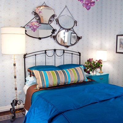Inspiration for an eclectic bedroom remodel in Chicago with multicolored walls