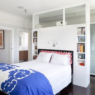Modelo de dormitorio actual con paredes blancas