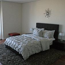 Modern Bedroom by Valerie Wills Interiors
