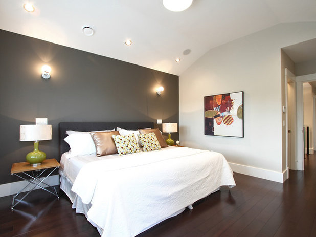 Contemporary Bedroom by Space Harmony