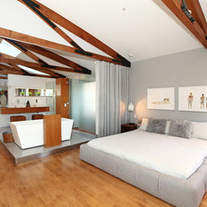 Contemporary Bedroom by O plus L