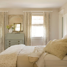 Beach Style Bedroom by Court Designs