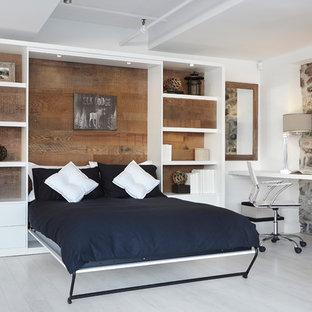 Vertical wall bed  |  Lits escamotables verticaux