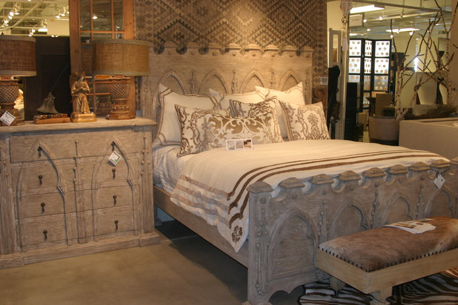Traditional Bedroom by PENINSULA