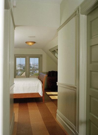 トラディショナル 寝室 by Podesta Construction