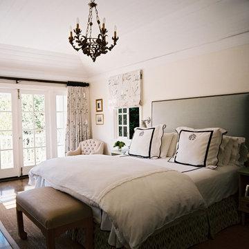 Vintage Nouveau Home