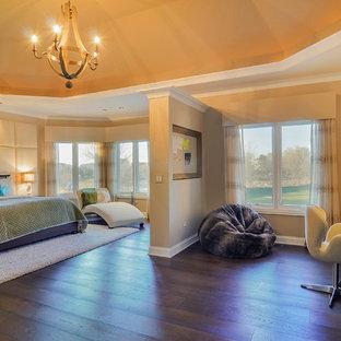 Bedroom - transitional dark wood floor bedroom idea in Chicago with beige walls